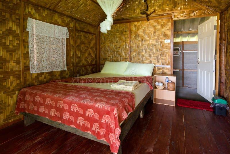 Binnen tropische overzeese bungalow royalty-vrije stock fotografie