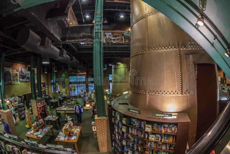 Binnen van Barnes en Edele boekhandel, Baltimore, de V.S. royalty-vrije stock afbeeldingen