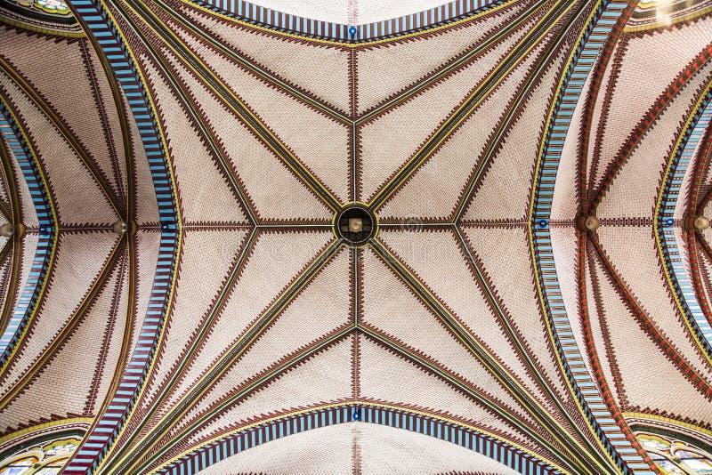 Binnen van de kathedraal van Heilige Mary royalty-vrije stock afbeeldingen