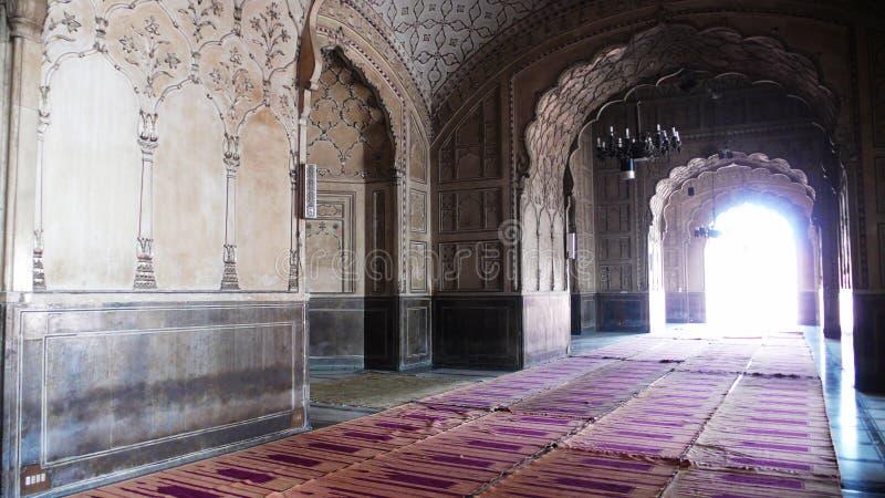 Binnen van de Moskee Badshahi royalty-vrije stock afbeelding