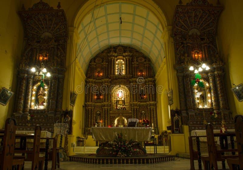 Binnen van een Oude Portugese Kerk stock afbeeldingen