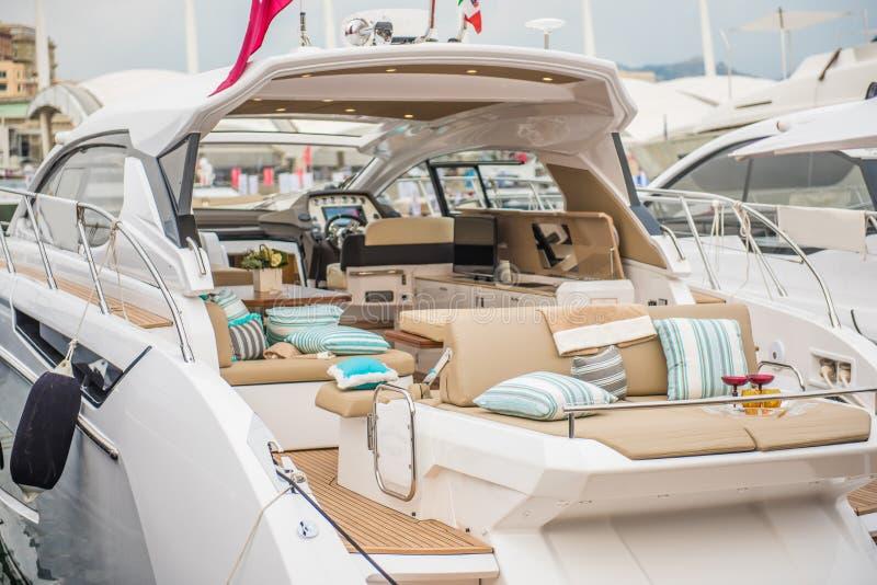 Binnen van het Jacht van de luxesport royalty-vrije stock foto's