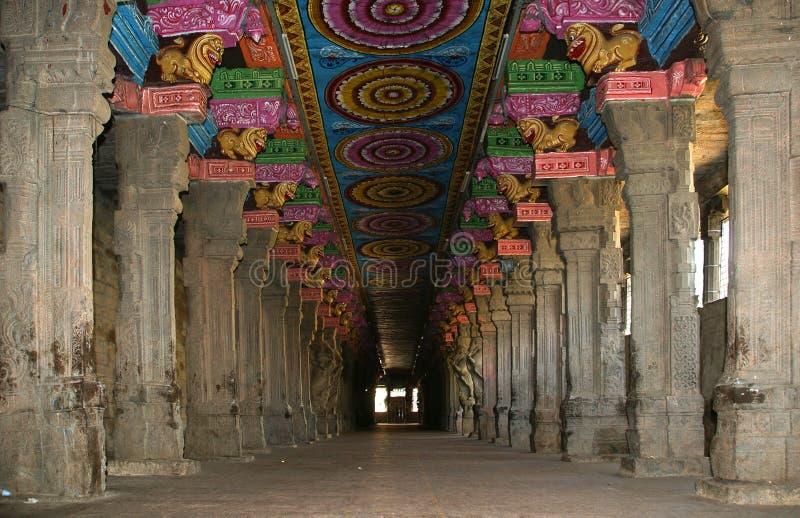 Binnen van Hindoese tempel Meenakshi in Madurai royalty-vrije stock foto