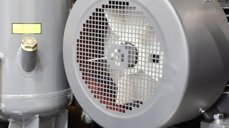 binnen van industriële luchtcompressor stock afbeeldingen