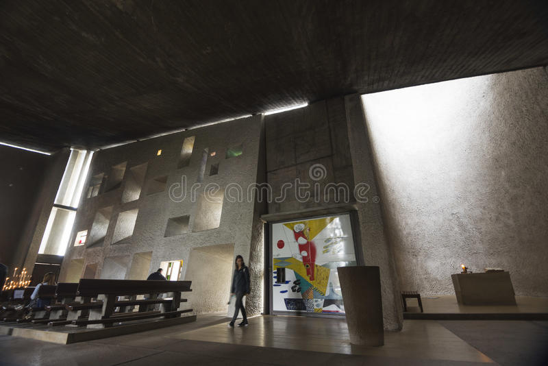 Binnen van Kapel van Notre Dame du Haut stock afbeelding