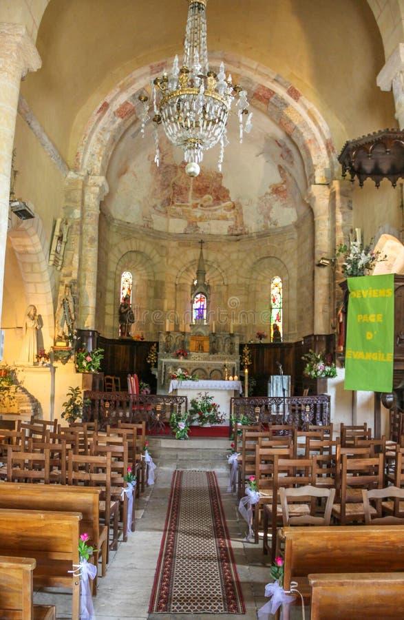 Binnen van kerk van Saint Julien, Nespouls, Correze, Limousin, Frankrijk royalty-vrije stock fotografie