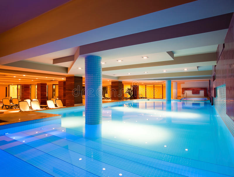 Binnen zwembad royalty-vrije stock foto's