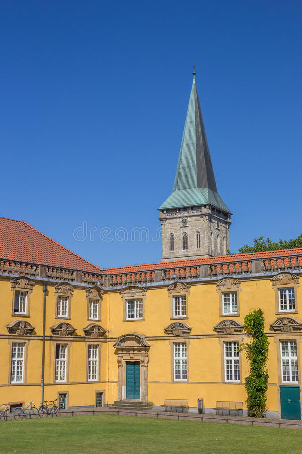 Binnenbinnenplaats van de Universiteit van Osnabrück stock fotografie