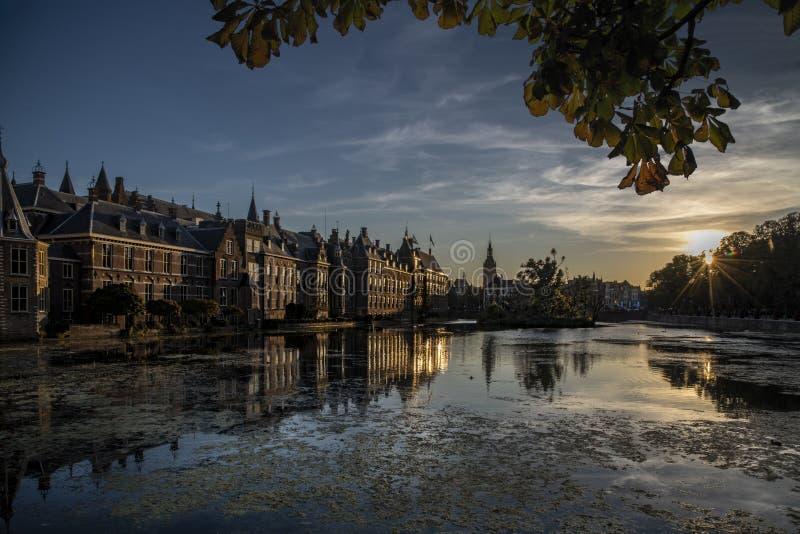 Binnenhof - голландские парламент и правительство стоковое изображение rf