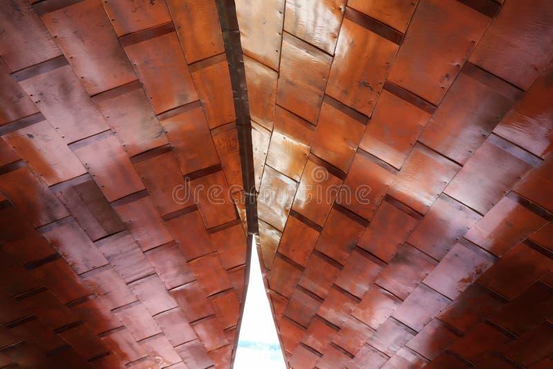 Binnenhuisarchitectuur met hout, plafond, mooi ontwerp, Aziatische stijl stock foto