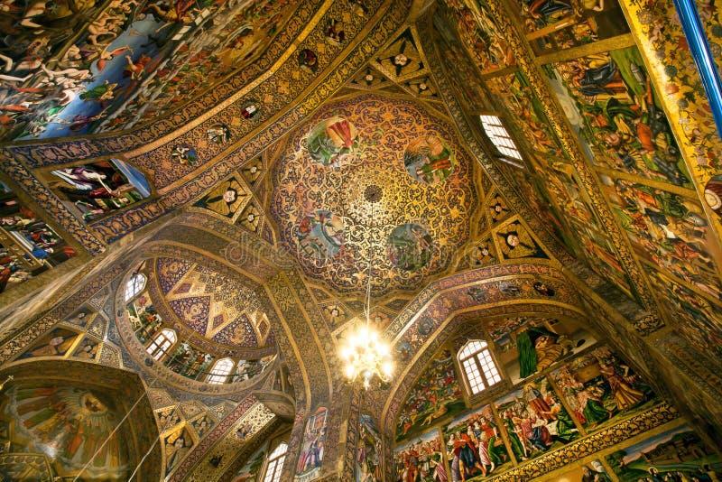 Binnenland en fresko van de koepel binnen historische Armeense Vank-Kathedraal stock afbeelding