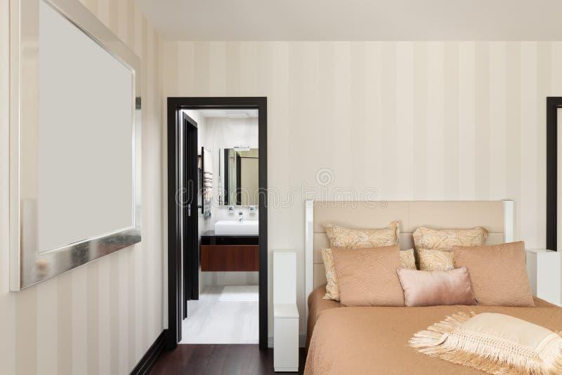 Download Binnenland, luxeslaapkamer stock afbeelding. Afbeelding bestaande uit luxe - 54075465