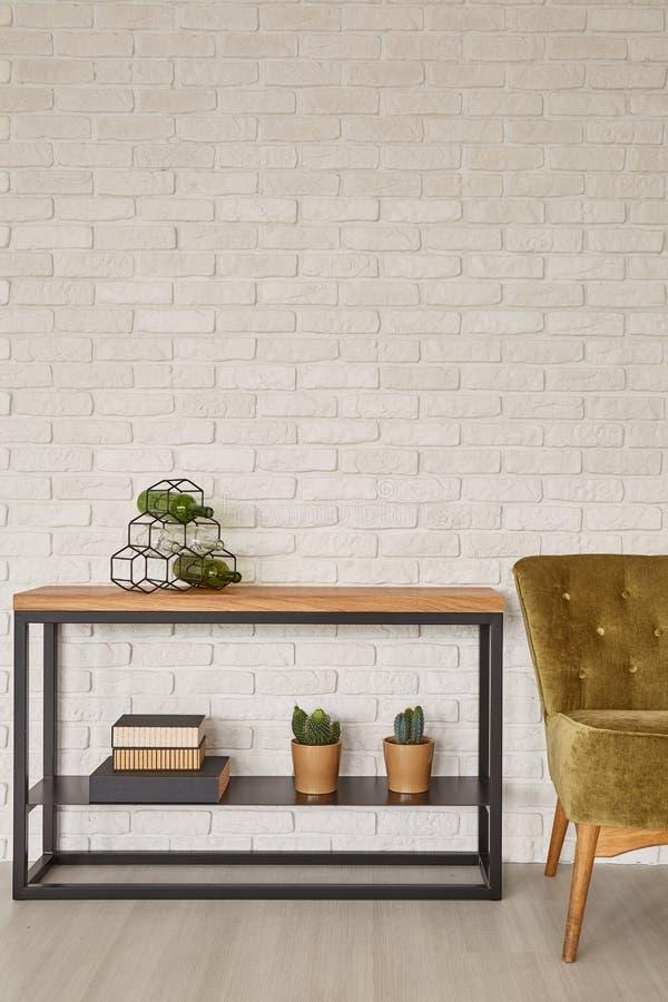 Binnenland met modieus meubilair stock foto's