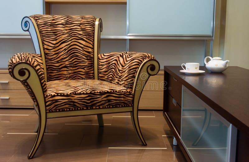 Binnenland met nieuw meubilair stock fotografie