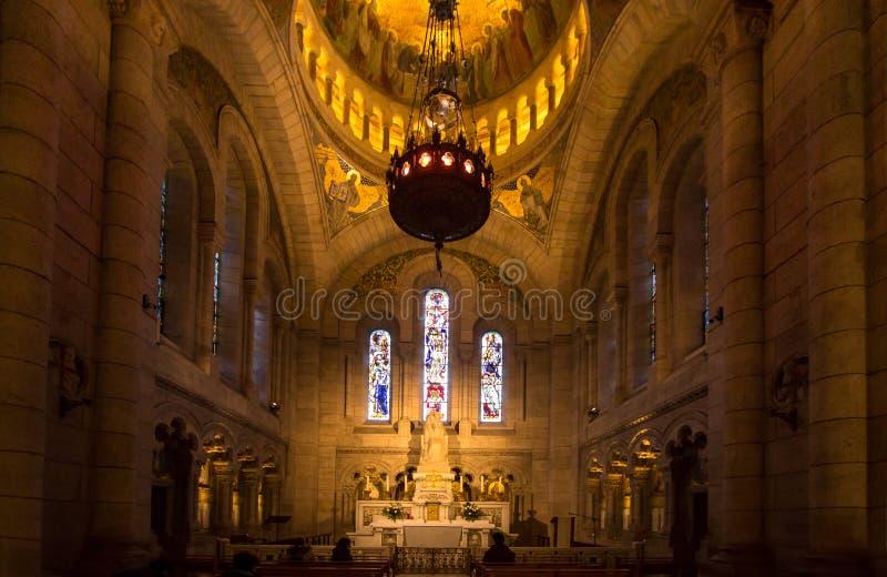 Binnenland van basiliek Sacre Coeur, Parijs, Frankrijk stock foto's