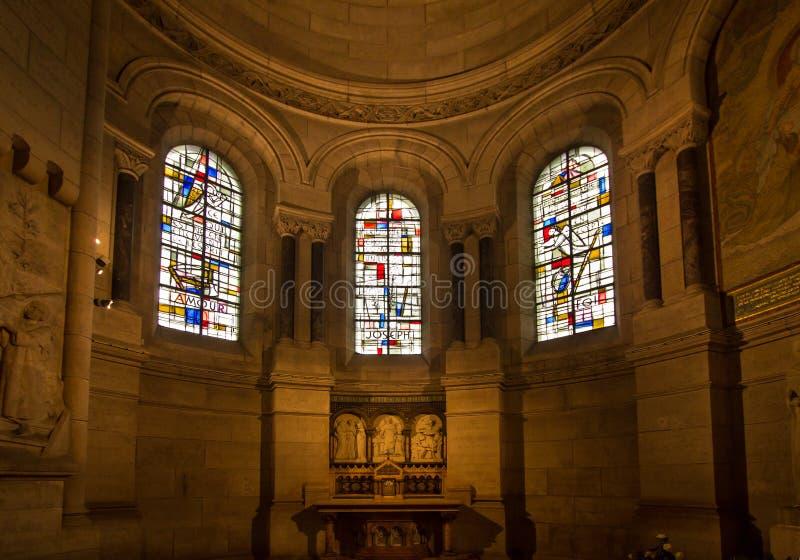 Binnenland van basiliek Sacre Coeur, Parijs, Frankrijk royalty-vrije stock afbeeldingen