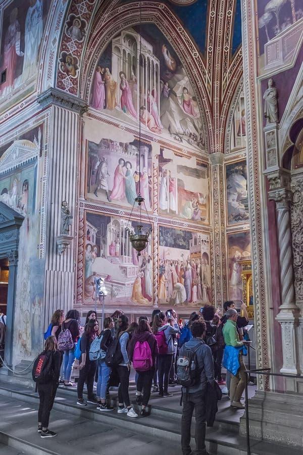 Binnenland van Basiliek van Santa Croce Holy Cross in Florence, het royalty-vrije stock afbeelding