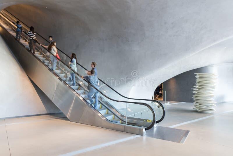 Binnenland van Breed Eigentijds Art Museum stock foto