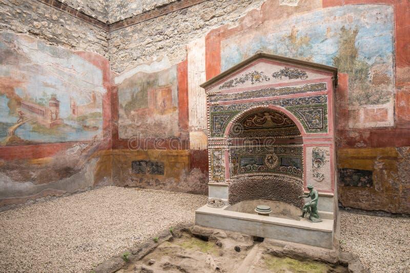 Binnenland van Casa-della Fontana Piccola, Pompei, Italië stock foto