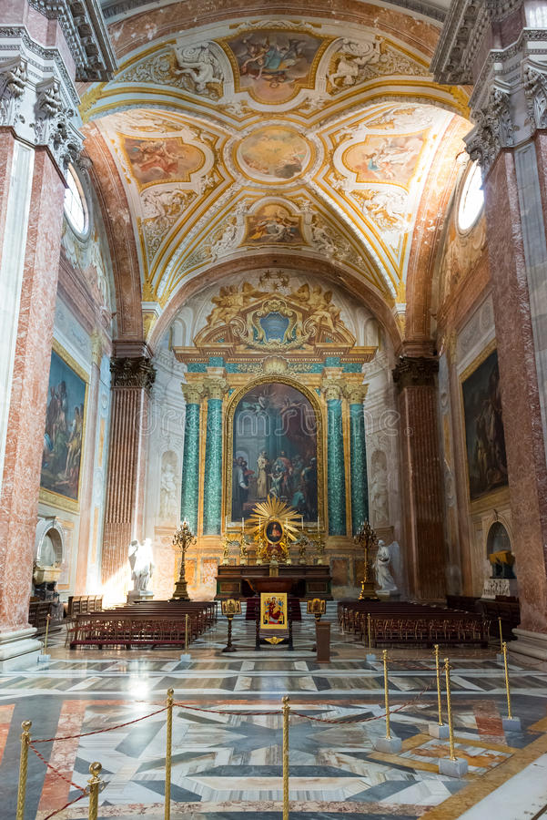 Binnenland van de Basiliek van St Mary van de Engelen en Marty royalty-vrije stock afbeeldingen