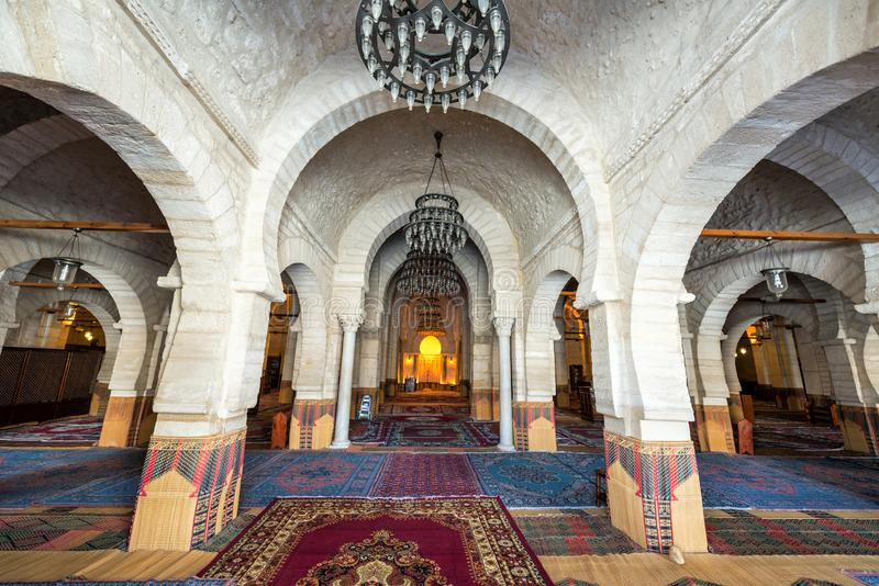Binnenland van de Grote Moskee in Sousse, Tunesië royalty-vrije stock fotografie