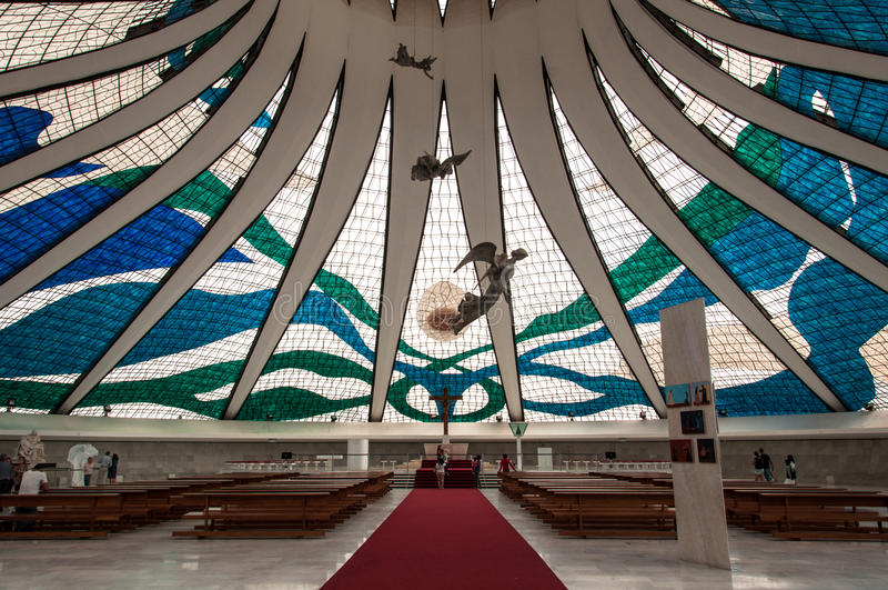 Binnenland van de Kathedraal in Brasilia stock foto