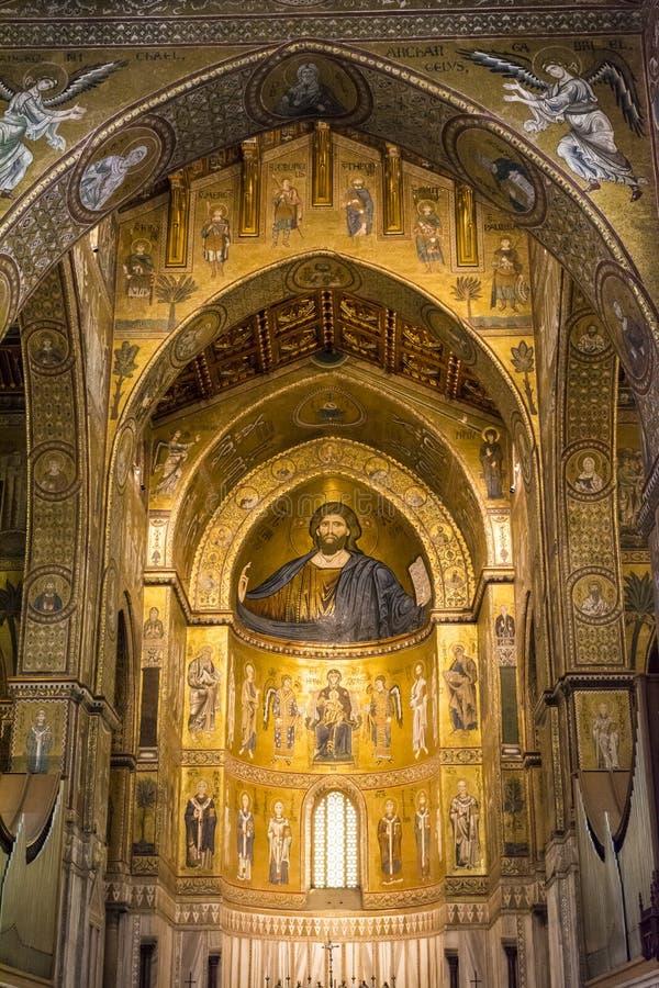 Binnenland van de kathedraal Santa Maria Nuova van Monreale in Sicilië, Italië royalty-vrije stock foto