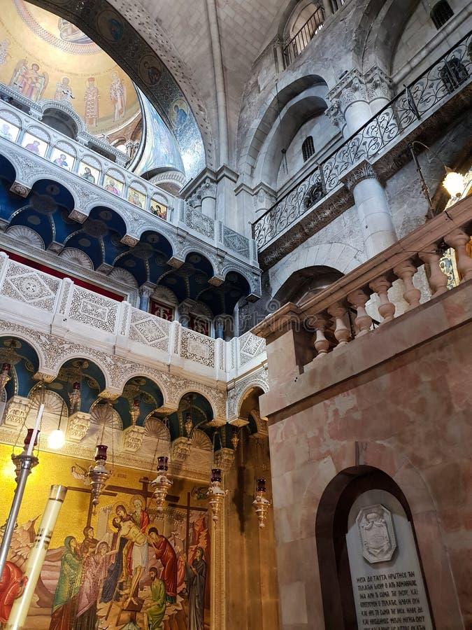 Binnenland van de Kerk van het Heilige Grafgewelf in de Oude Stad van Jeruzalem, Israël stock foto's