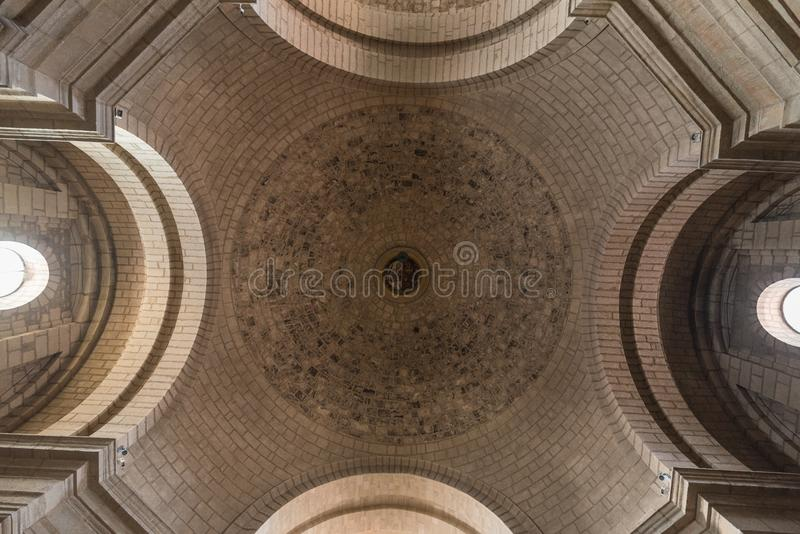 Binnenland van de kerk in oude monastary van Santo Domingo de Silos, Burgos, Spanje royalty-vrije stock foto's
