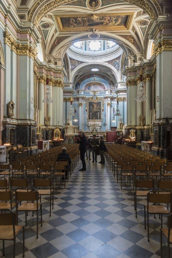 Binnenland van de Kerk van St Francis van het Mout van de Straatvalletta van de Republiek van Assisi royalty-vrije stock afbeeldingen