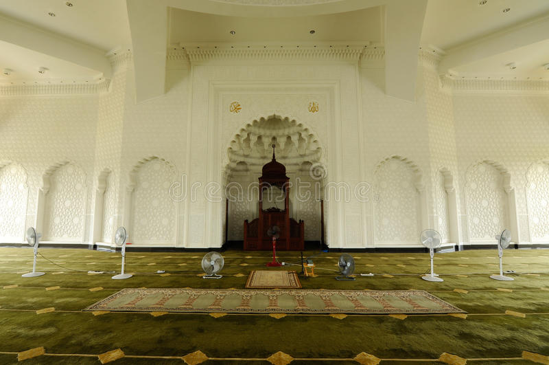Binnenland van de Luchthaven van Sultan Ismail Airport Mosque - Senai-, Maleisië stock foto