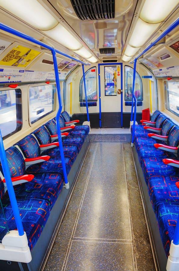 Binnenland van de ondergrondse treinauto in Londen royalty-vrije stock foto's