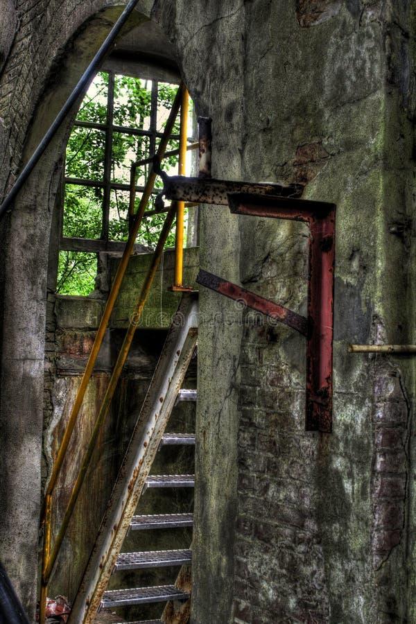 Binnenland van de oude fabrieksbouw royalty-vrije stock fotografie