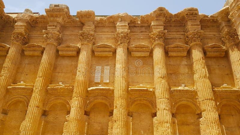 Binnenland van de Tempel van Bacchus De ruïnes van de Roman stad van Heliopolis of Baalbek in de Beqaa-Vallei Baalbek, Libanon - royalty-vrije stock afbeelding