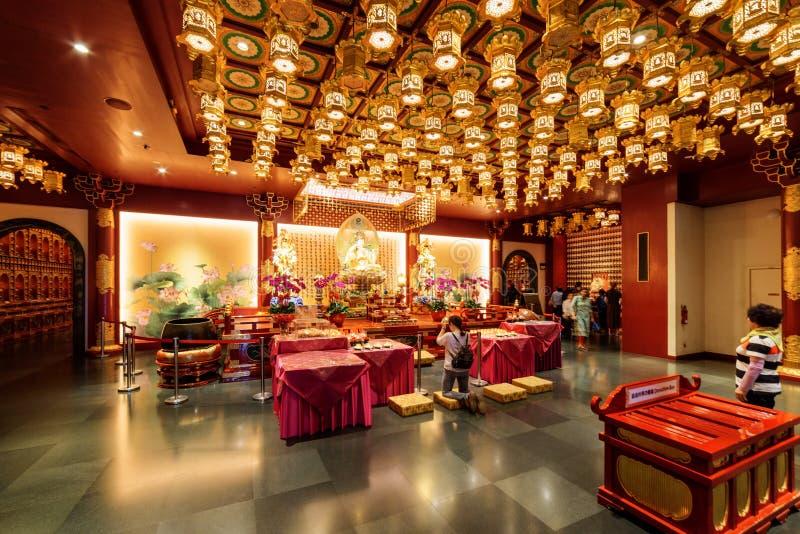 Binnenland van de Tempel van het de Tandoverblijfsel van Boedha en het Museum, Singapore royalty-vrije stock foto's