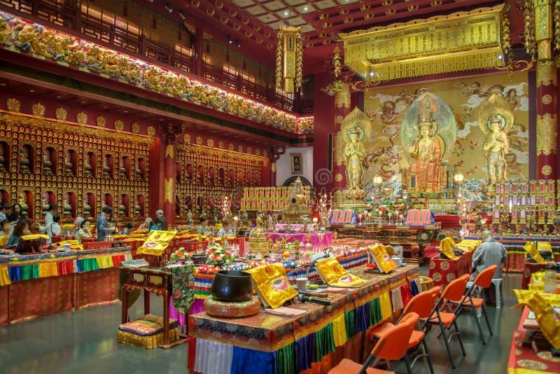 Binnenland van de Tempel van het de Tandoverblijfsel van Boedha in Singapore stock foto