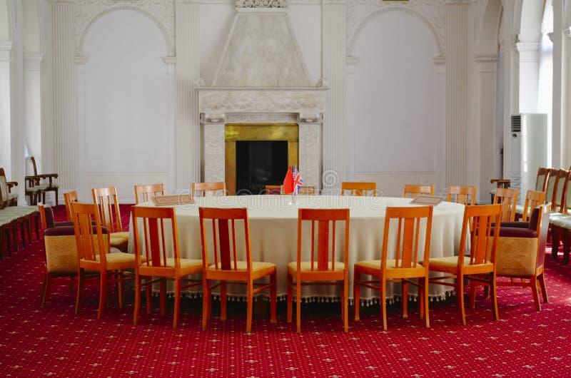 Binnenland van de Witte Zaal in het Livadia-Paleis, de Krim royalty-vrije stock foto