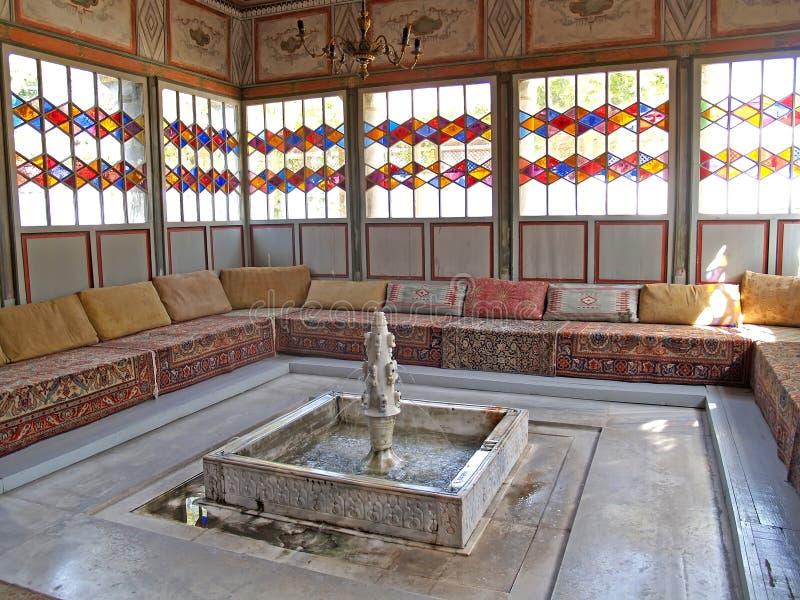 Binnenland van een de zomeras in het Hansky-paleis Bakhchisarai, C royalty-vrije stock foto's