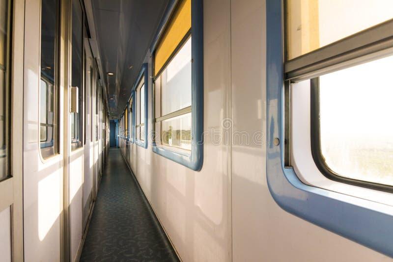 Binnenland van een Marokkaanse trein royalty-vrije stock afbeeldingen