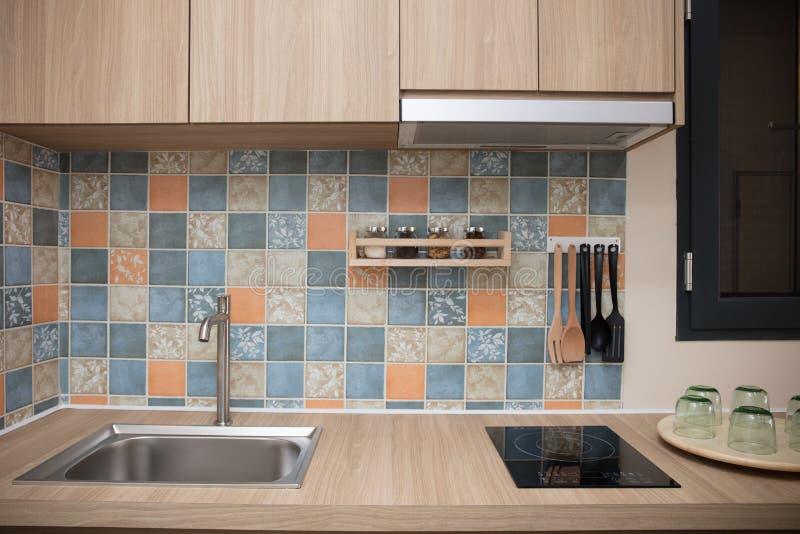 Binnenland van een moderne keuken thuis stock fotografie