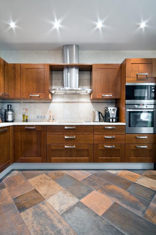 Binnenland van een nieuwe keuken royalty-vrije stock afbeeldingen