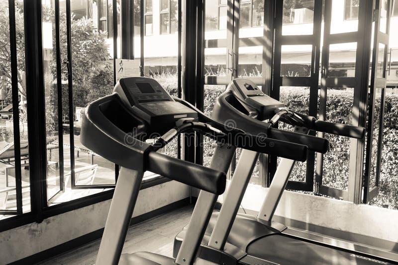 Binnenland van gymnastiekruimte bij luxehotel royalty-vrije stock foto