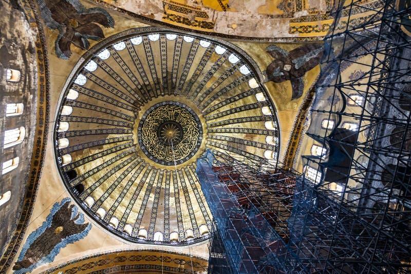 Binnenland van Hagia Sophia in Istanboel, Turkije - grootste monument stock afbeelding