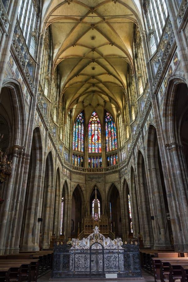 Binnenland van Heilige Vitus Cathedral in Praag royalty-vrije stock foto's