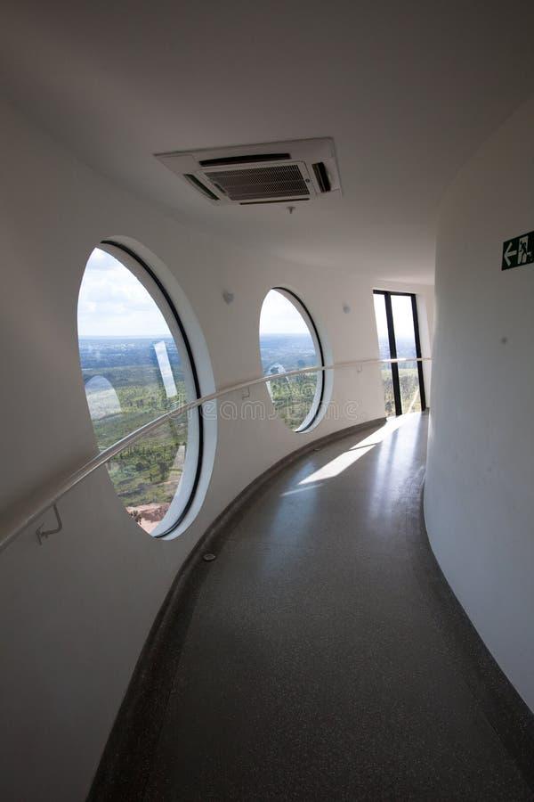 Binnen van het het bekijken platform van de Brasilia Digitale Toren van TV royalty-vrije stock foto's