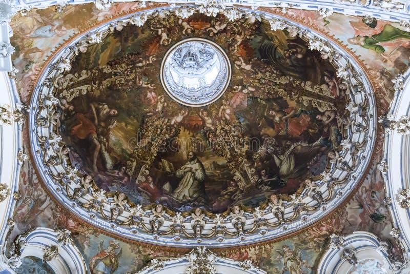 Binnenland van het Kartuizer Klooster in Granada, Spanje stock afbeeldingen