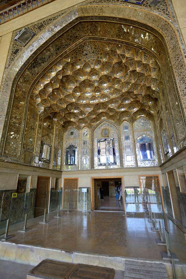 Binnenland van het paleis van Chehel Sotoun in Isphahan, Iran royalty-vrije stock foto's