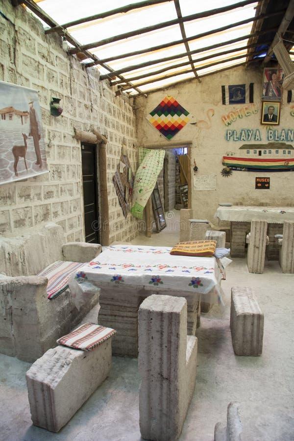 Binnenland van Hotel van zoute blokken in Salar de Uyuni wordt gebouwd dat royalty-vrije stock afbeelding