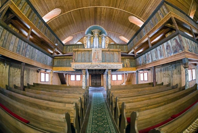 Binnenland van houten Gewrichtskerk van Svaty Kriz, Slowakije stock foto's