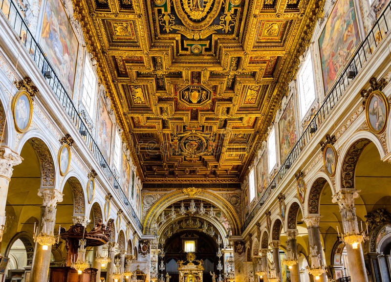 Binnenland van kerk Santa Maria Aracoeli royalty-vrije stock foto